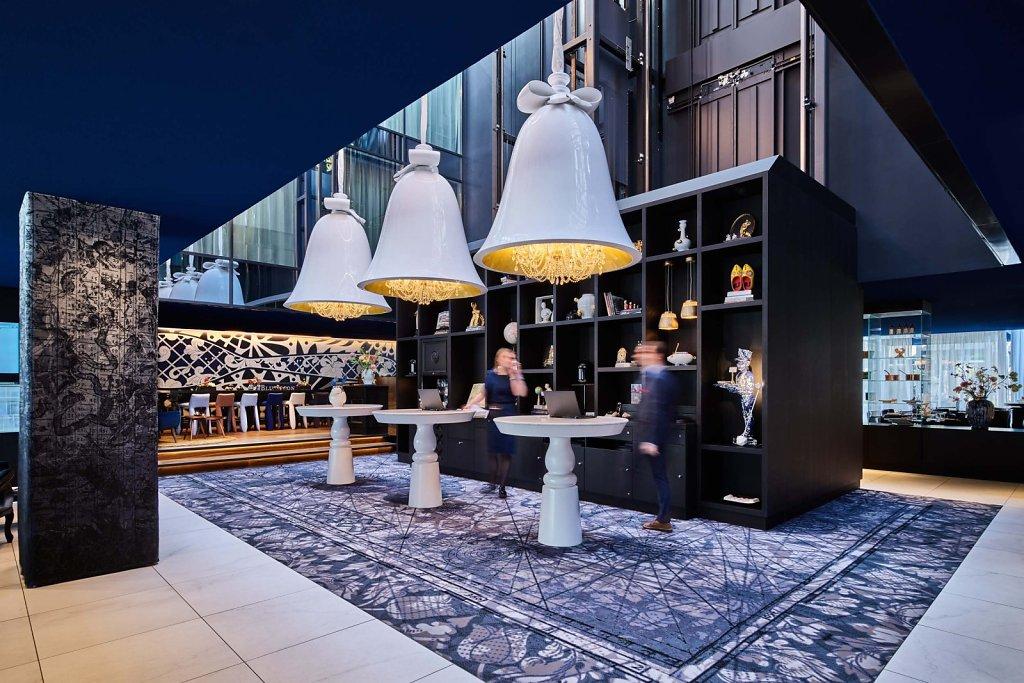Andaz Hotel lobby and bar/restaurant
